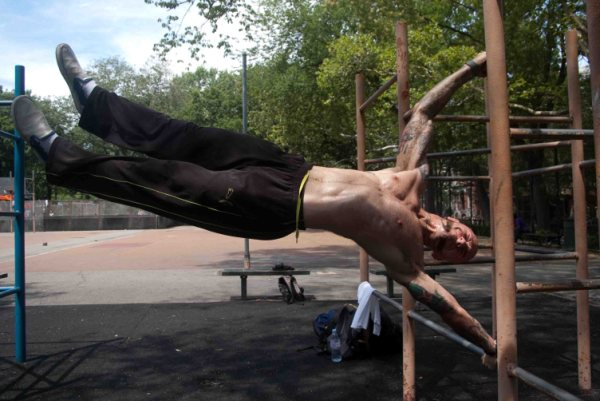 Can't get enough human flag! (from alkavadlo.com)