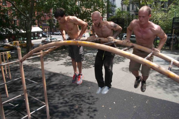 Muscle-up! (from alkavadlo.com)
